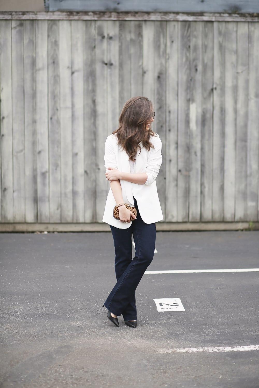 WhiteBlazerandFlareJeans_2