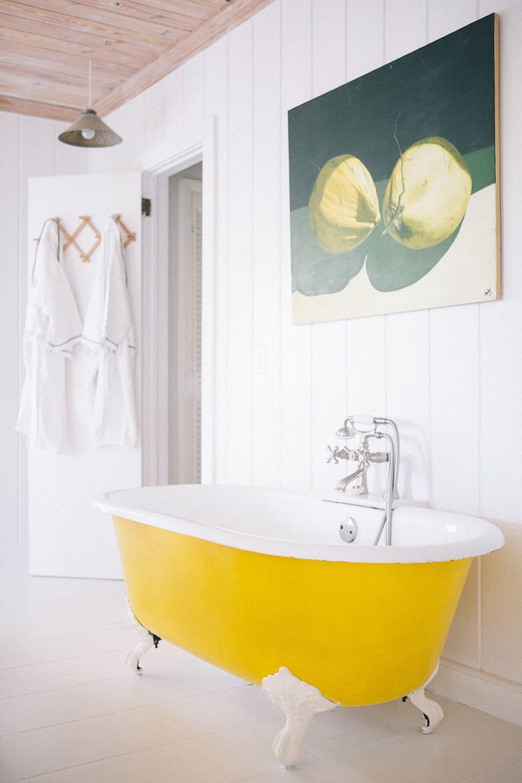 ocean-view-club-bahamas-kitchen-cottage-bathtub